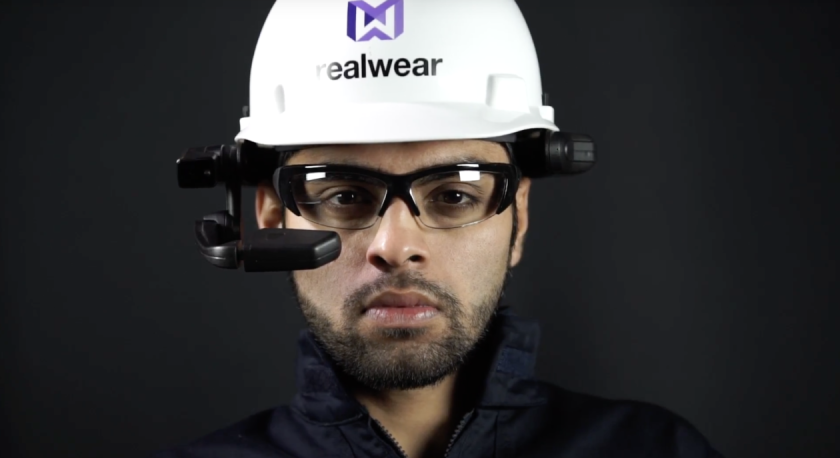 High-Res-worker-hero-shot-straight-ahead-with-RealWear-HMT-1-1260x687